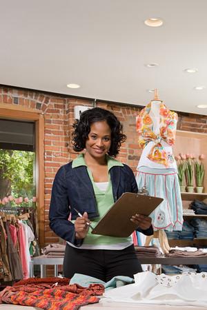 mujeres africanas: Asistente de ventas
