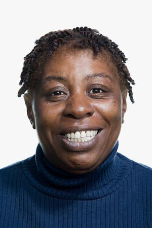 negras africanas: Retrato de una mujer adulta Media Foto de archivo