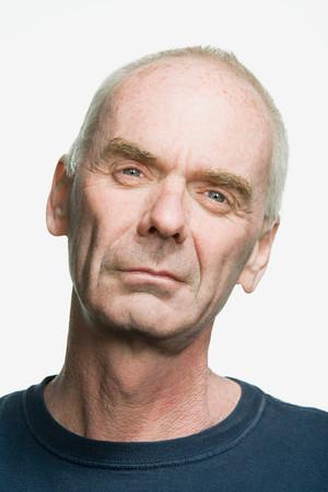 persona mayor: Retrato de un hombre adulto mayor Foto de archivo