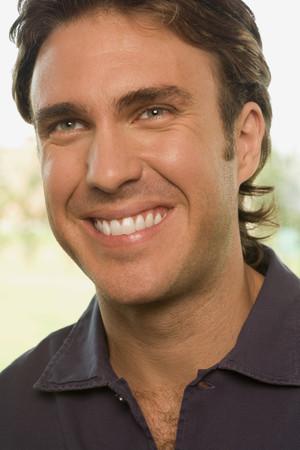 Portrait of a happy smiling man Фото со стока - 99118687