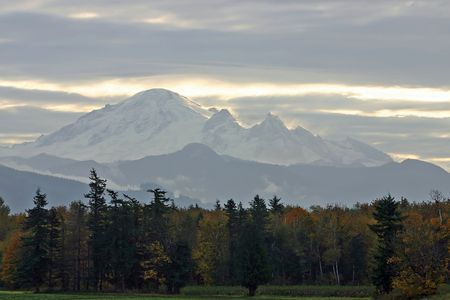 A view of Mt Baker from the west 版權商用圖片