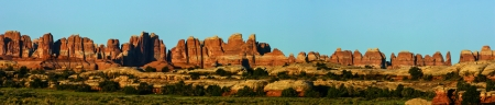 Een panorama van de Naalden wijk in Canyonlands National Park