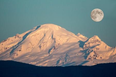 mt  baker: The moon over Mt. Baker