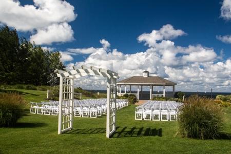 venue: A beautiful lakeside wedding venue