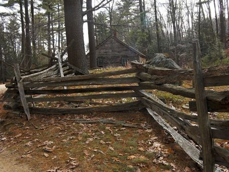 A very old New England Home and Fence Imagens