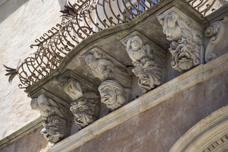ragusa: Baroque masks in Ragusa