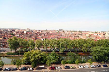 Stadt Toulouse und Midi-Kanal, Luftbild Standard-Bild - 531607