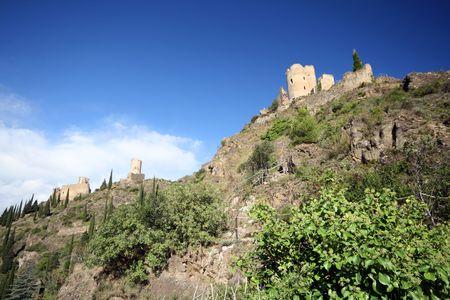 three castles on a crest photo