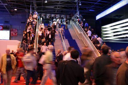 crowd walking down stairs at a show Standard-Bild