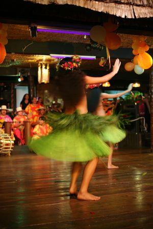 two exotic dancers in green skirt Standard-Bild