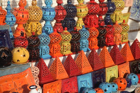 arabic ceramaic in a handicrafts market Standard-Bild