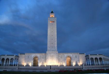 big Tunis mosque at night Stock Photo