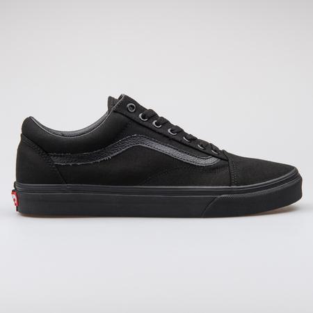 Vans Old Skool Black Sneaker.. Stock