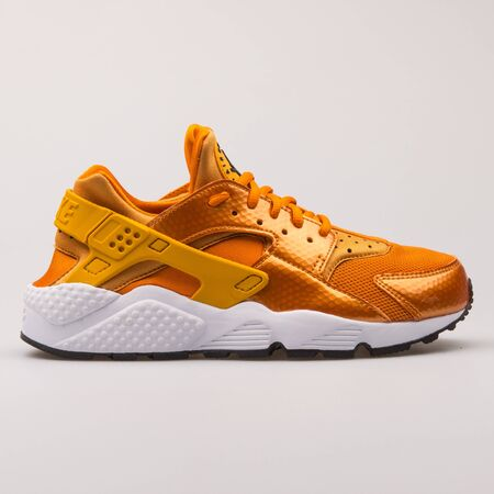 nike air huarache gold