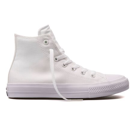 VIENNA, AUSTRIA - AUGUST 10, 2017: Converse Chuck Taylor 2 High white sneaker on white background. 報道画像