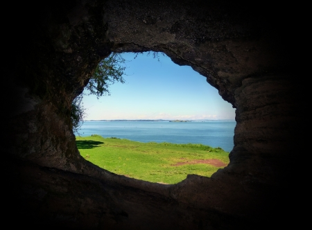 loopholes: View through the loophole of a historical defense post cave on Auckland