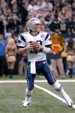 Tom Brady of the New England Patriots sets to pass vs the New Orleans Saints at the Louisiana Superdome Nov 30, 2009