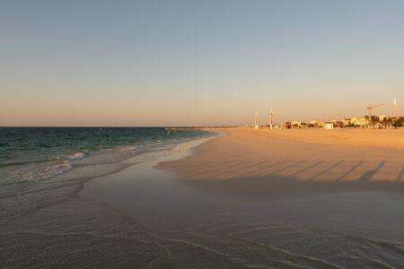 Waves at the beach close to sunset. Travel destination. 版權商用圖片