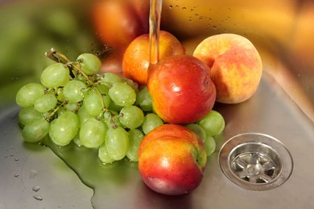 fruit eater: Washing fruits in stainless steel sink