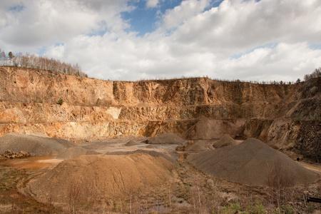 Granite quarry mining