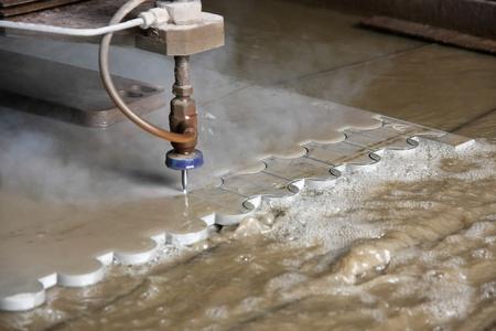 corte laser: Corte por chorro de agua Foto de archivo
