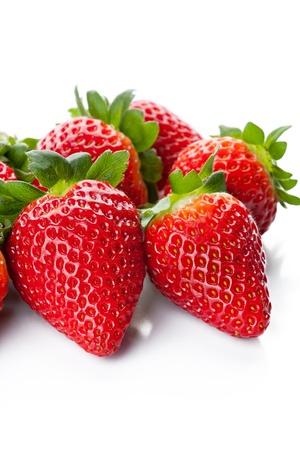 fresa: Frutas aisladas - fresas en el fondo blanco Foto de archivo