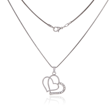 Silver chain and pendant in the shape of heart Stock Photo - 23106390