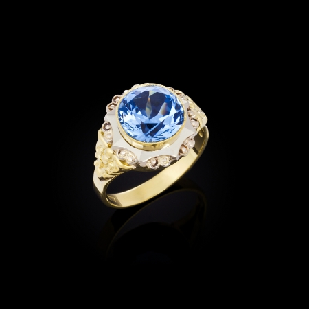 Gold ring with white diamonds   photo