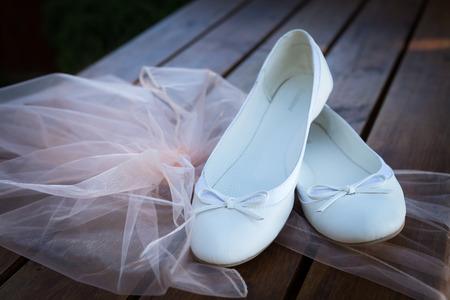 Mariage nature morte - chaussures de la mariée