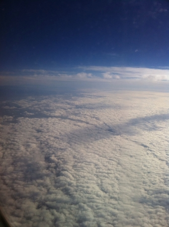 上からの雲の景色
