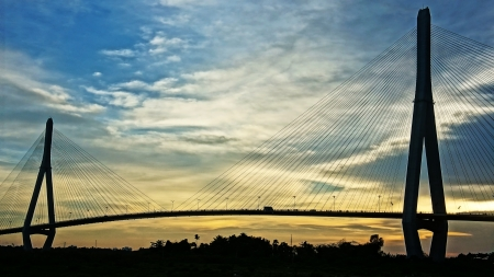 can tho: Can Tho Bridge at sunset