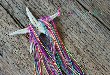 fish star: Summertime fondo, bola colorido hecho a mano, pescados de la estrella del color de la tela, el verano es tiempo de recorrido de la playa y divertirse Foto de archivo
