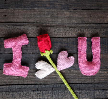 te amo: Amazing valentine background in pink colour, symbol of heart, i love you message, rose flower, all gift make handmade, knit from yarn, Valentines day on feb 14 is romantic day for love Foto de archivo