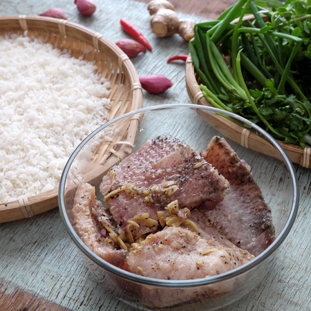 loc: Vietnamese food, fresh water fish soup, cook from fish and rice, this eating can use breakfast, lunch or dinner