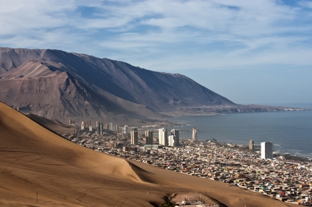 Iquique behind a huge dune, northern Chile, Tarapac¡ Region, Pacific coast, west of the Atacama Desert and the Pampa del Tamarugal