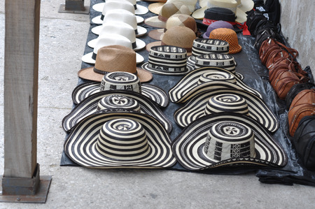 Sombreros Volteados - Typical Colombian Hats on the marketplace, Cartagena, Colombia Standard-Bild