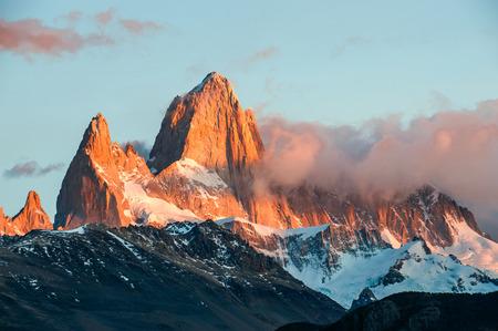 el chalten: Fitz Roy Mountain, El Chalten, Patagonia, Glaciers National Park Argentina.