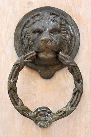 doorknocker: The lions head as a doorknocker