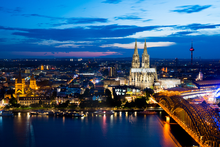 cologne: Cologne at night