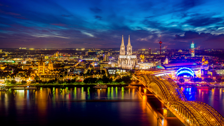 Cologne Cathedral at night, skyline of Cologne, Germany Archivio Fotografico