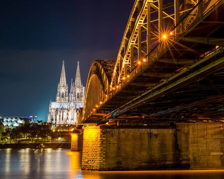 Cologne with Cologne Cathedral and Rhine at night 版權商用圖片