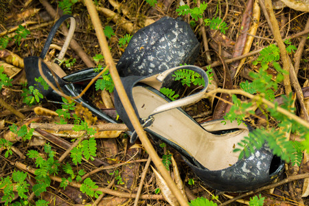 died: Unknown woman shoe found in the forest.
