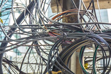 disorganization: Confuse wire.