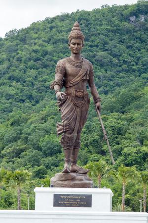 king ramkhamhaeng: Ratchapak Park, Hua Hin, Prachuap Khiri Khan, Thailand. - OCTOBER 11, 2015 : King Ramkhamhaeng (Sukhothai) Editorial