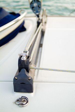 carrucole: pulegge e corde prese in uno yacht