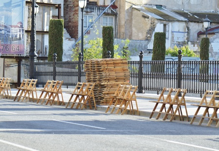 folding chair: waiting for the procession
