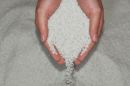 resin: manos de comprobaci�n de resina de pol�mero