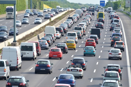 mermelada: Atasco de tr�fico en la autopista alemana discusi�n actual acerca de Toll Collect para los coches extranjeros, debido a la demanda de Bavarias primer ministro Horst Seehofer