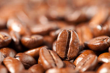 Close up of coffee beans. This file is cleaned and retouched. Zdjęcie Seryjne