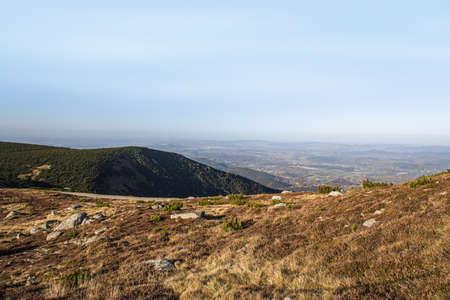 mountain landscape sunlight, clear weather Banque d'images